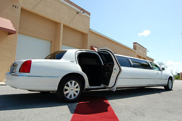 Laredo Lincoln Limos Rental
